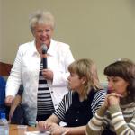 конференция в Сыктывкаре (директор лесного института В.Жиделева привтствует участников)